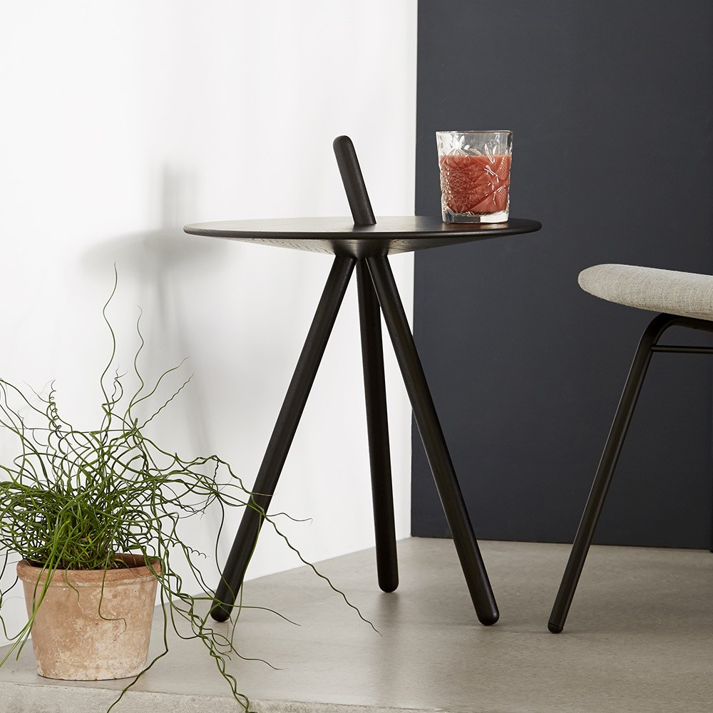 Come Here side table black Woud