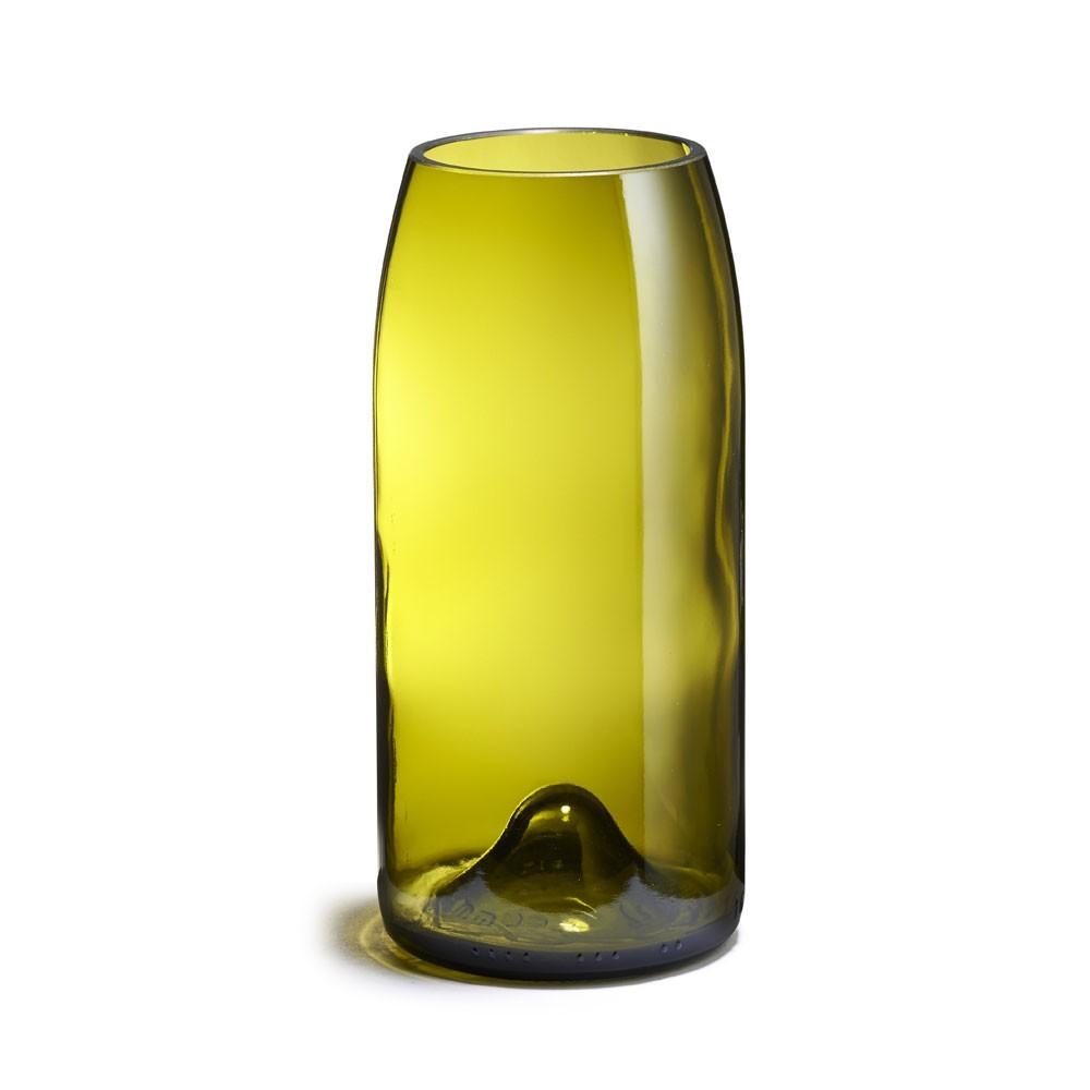 Rire Fillette vase Q de bouteilles
