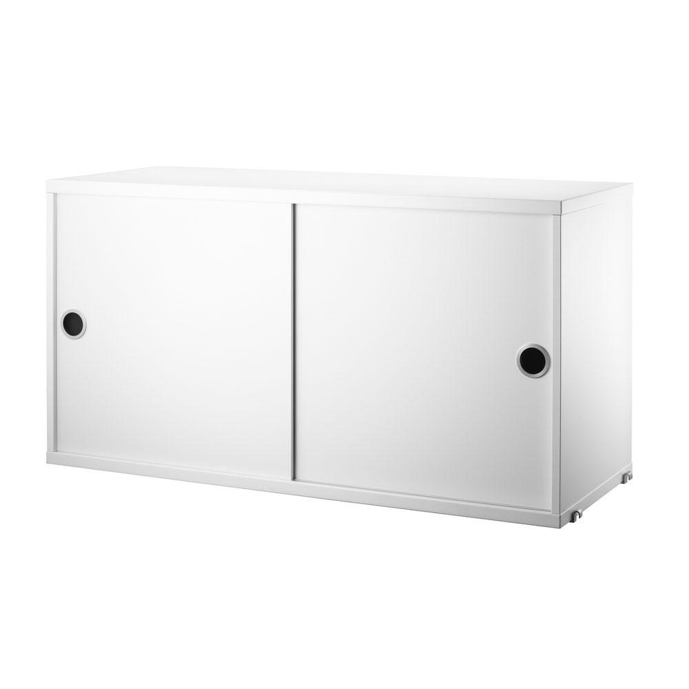 Kast met witte schuifdeuren - String systeem String Furniture