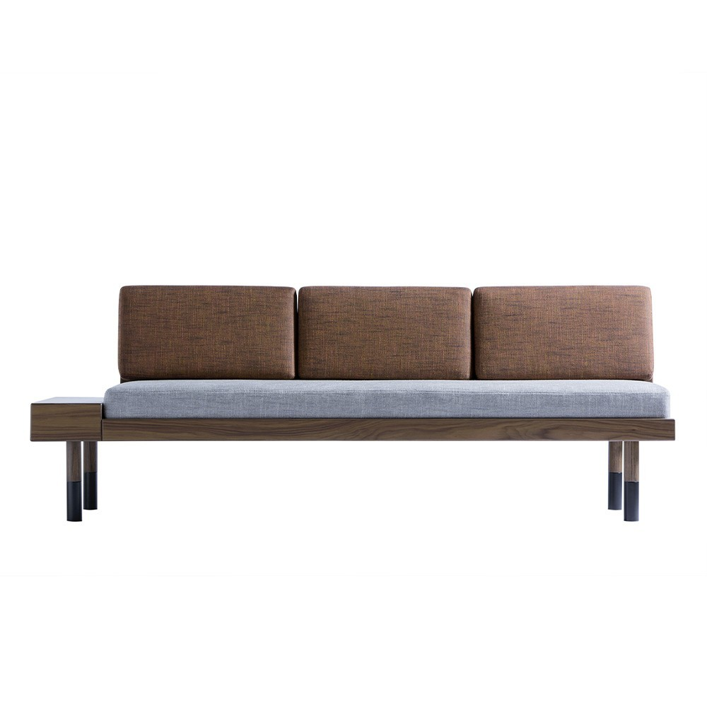 Mid straight sofa Kann Design