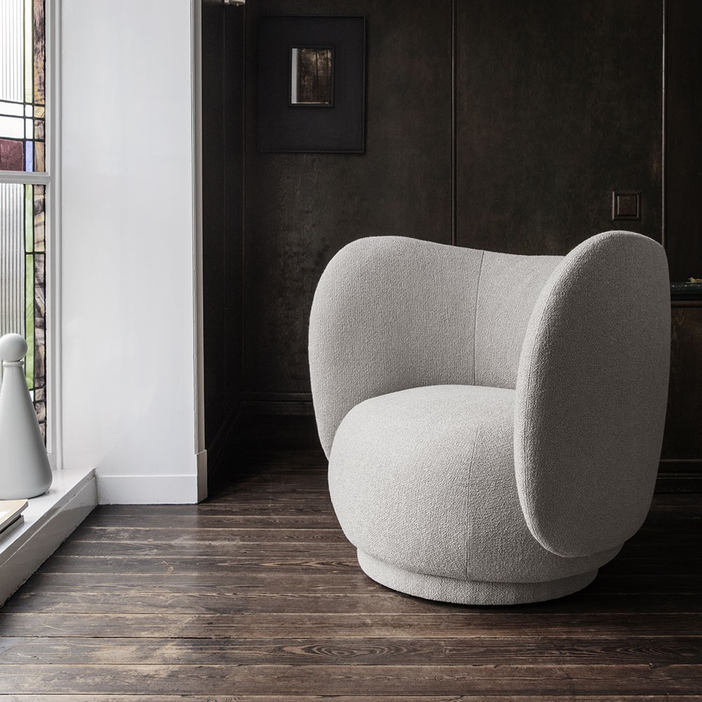 Rico fauteuil curly sand Ferm Living