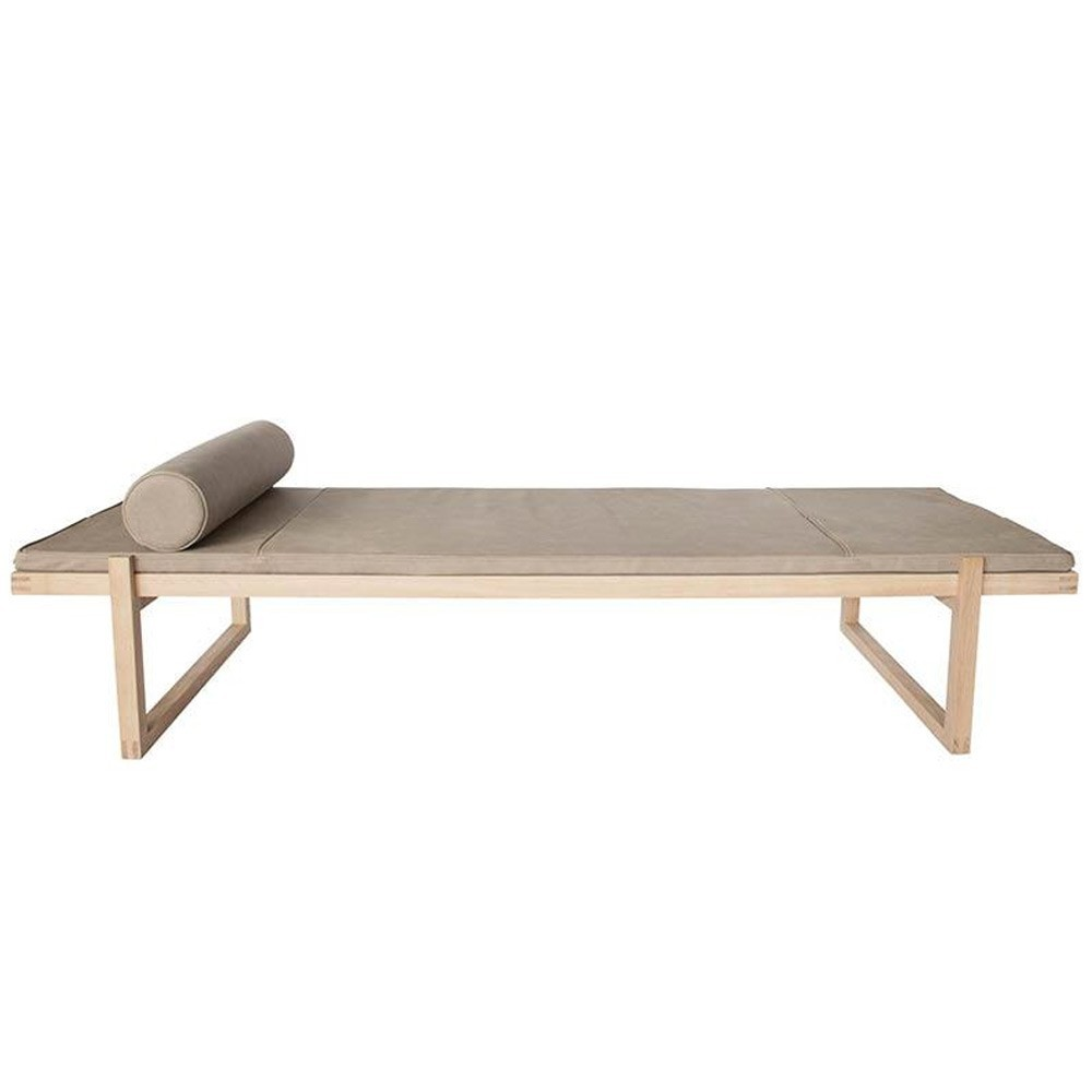Minimal daybed leather Kristina Dam Studio