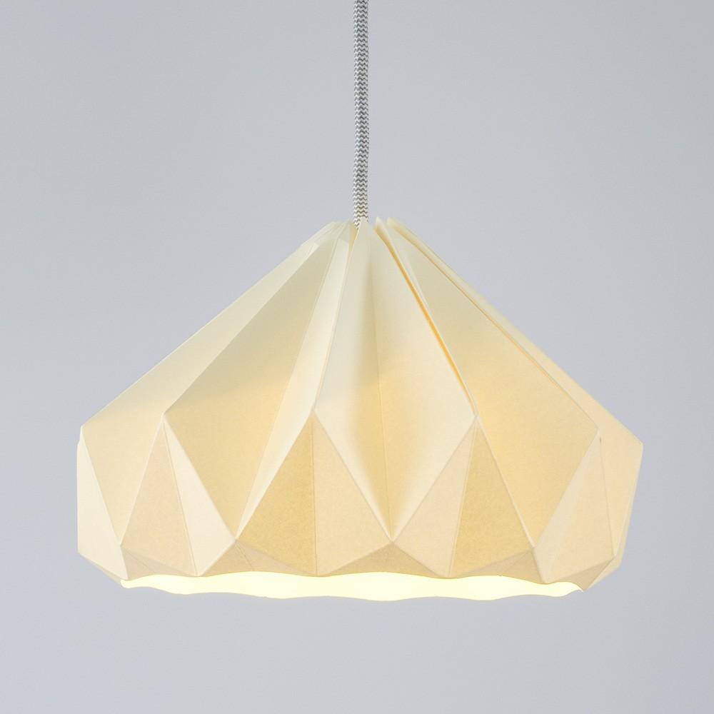 Kanariegele kastanje origami papier hanger Snowpuppe