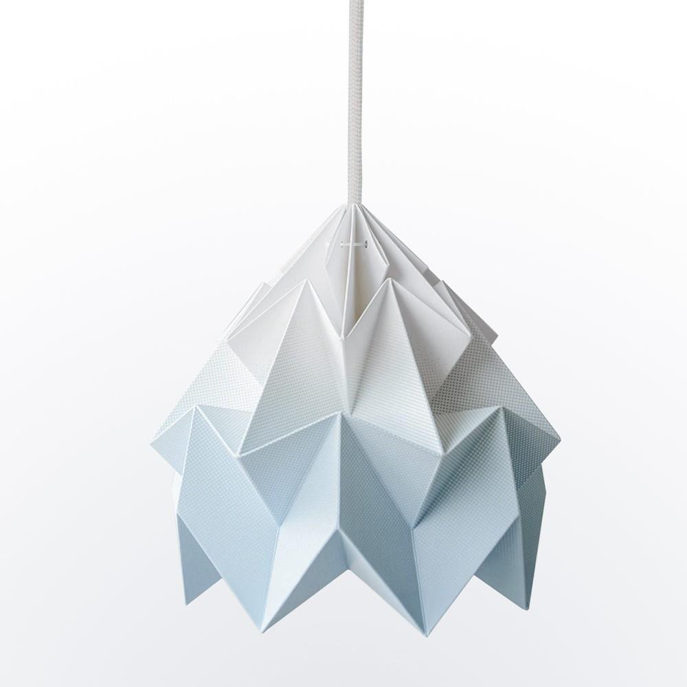 Origami ophanging in blauw kleurverloop mottenpapier Snowpuppe