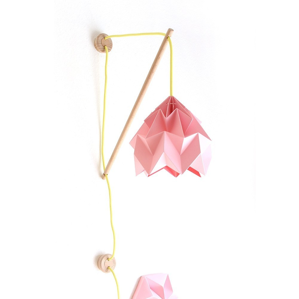 Wall fixture Klimoppe with Moth lamp pink Snowpuppe