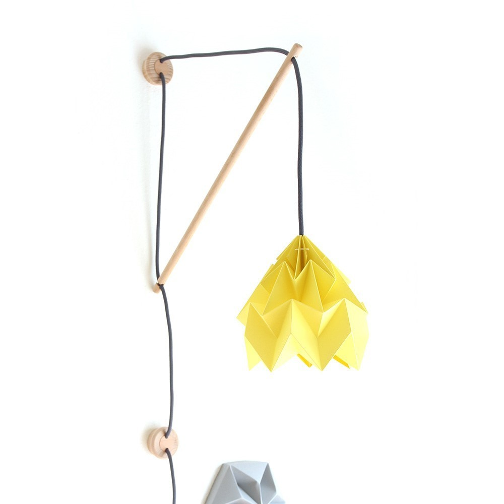 Wall fixture Klimoppe with Moth lamp yellow Snowpuppe