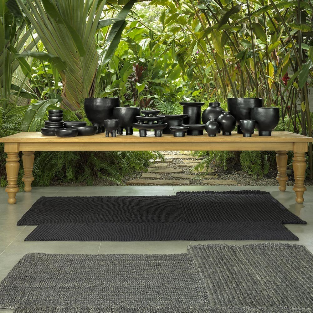 Cabuya rug black S ames