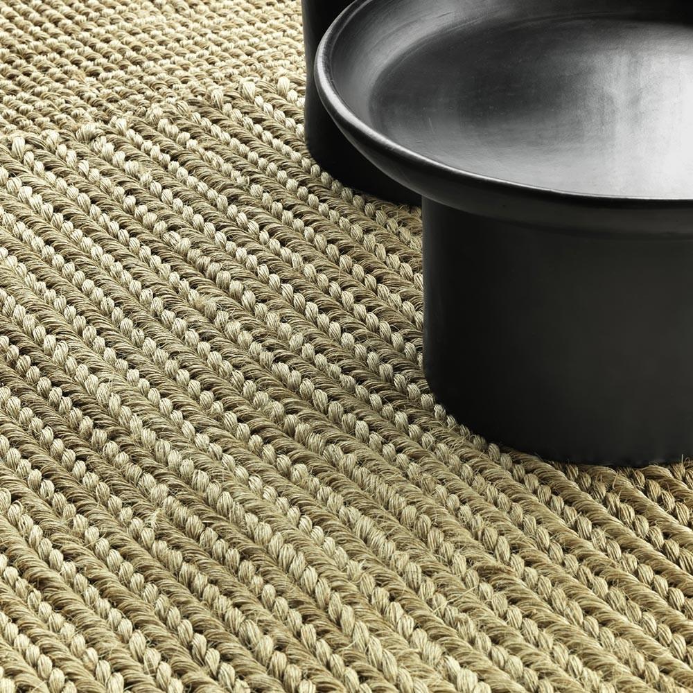 Cabuya rug natural brown S ames