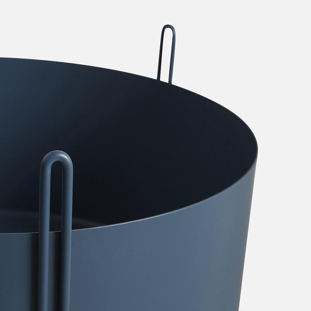 Pidestall flowerpot blue L Woud