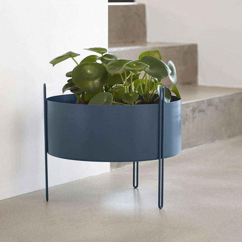 Pidestall flowerpot red M Woud
