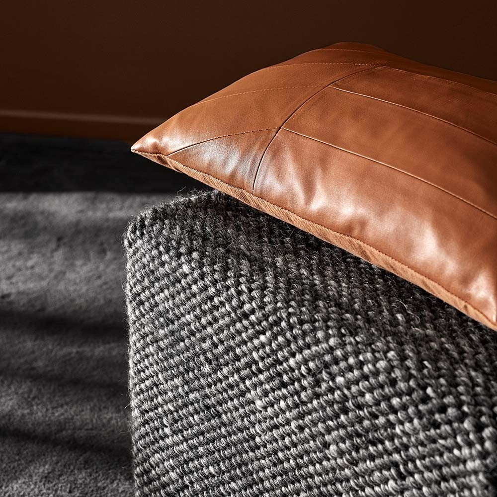 Coria cushion bordeaux AYTM