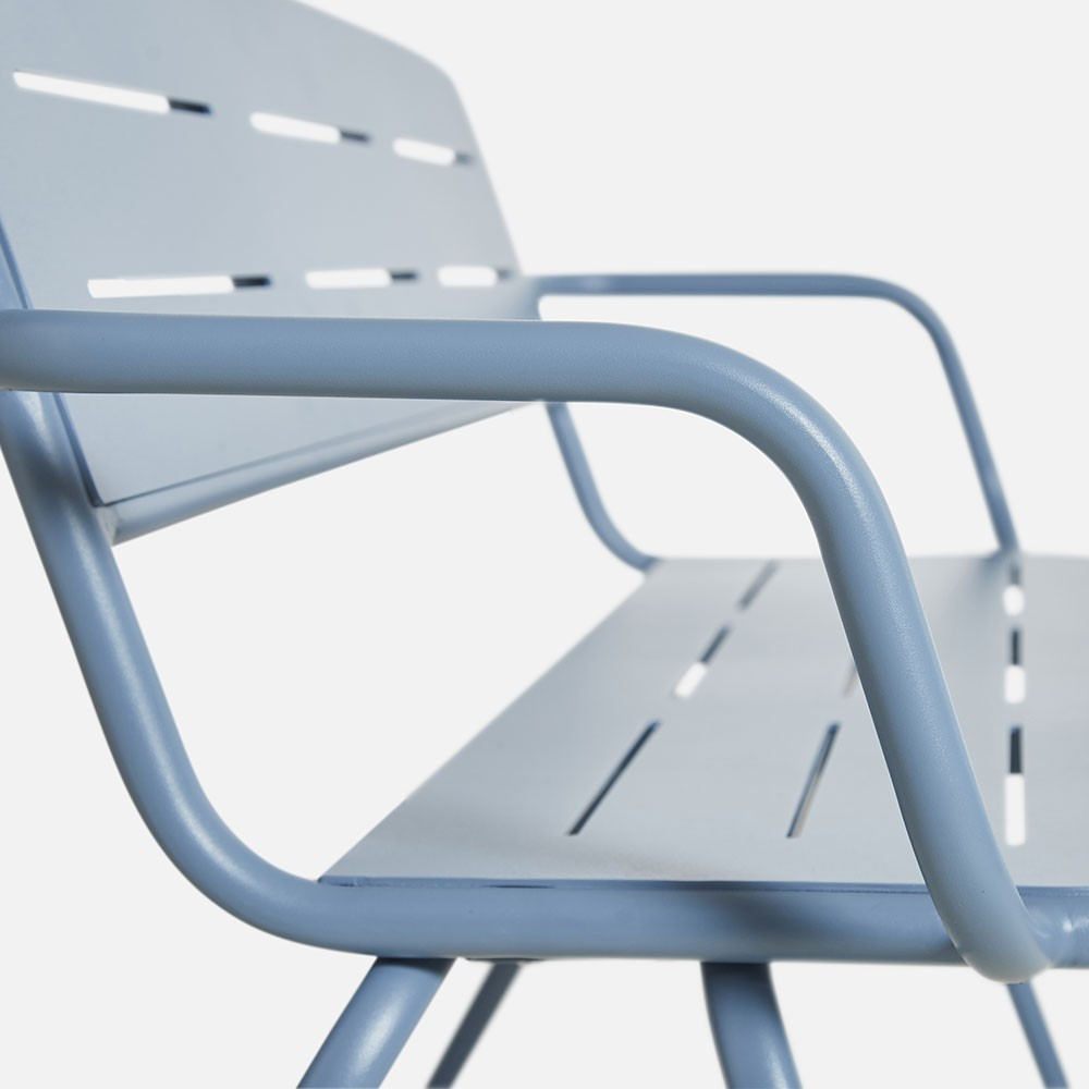 Ray bench with armrests blue Woud