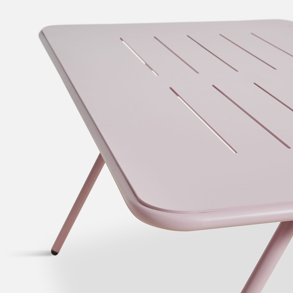 Ray dining table rose pink 140 cm Woud