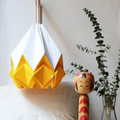 Suspension Hanahi papier blanc & jaune d'or Tedzukuri Atelier