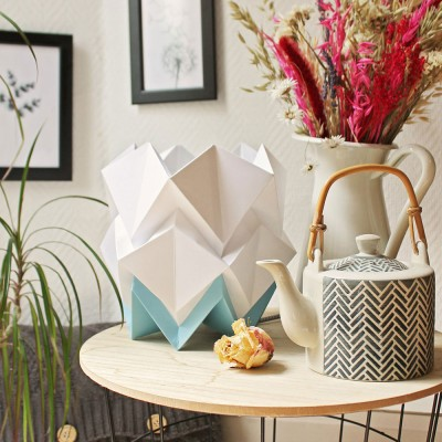 Hikari table lamp paper white & sky blue Tedzukuri Atelier