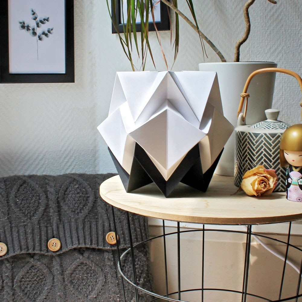 Lampe à poser Hikari papier blanc & noir Tedzukuri Atelier