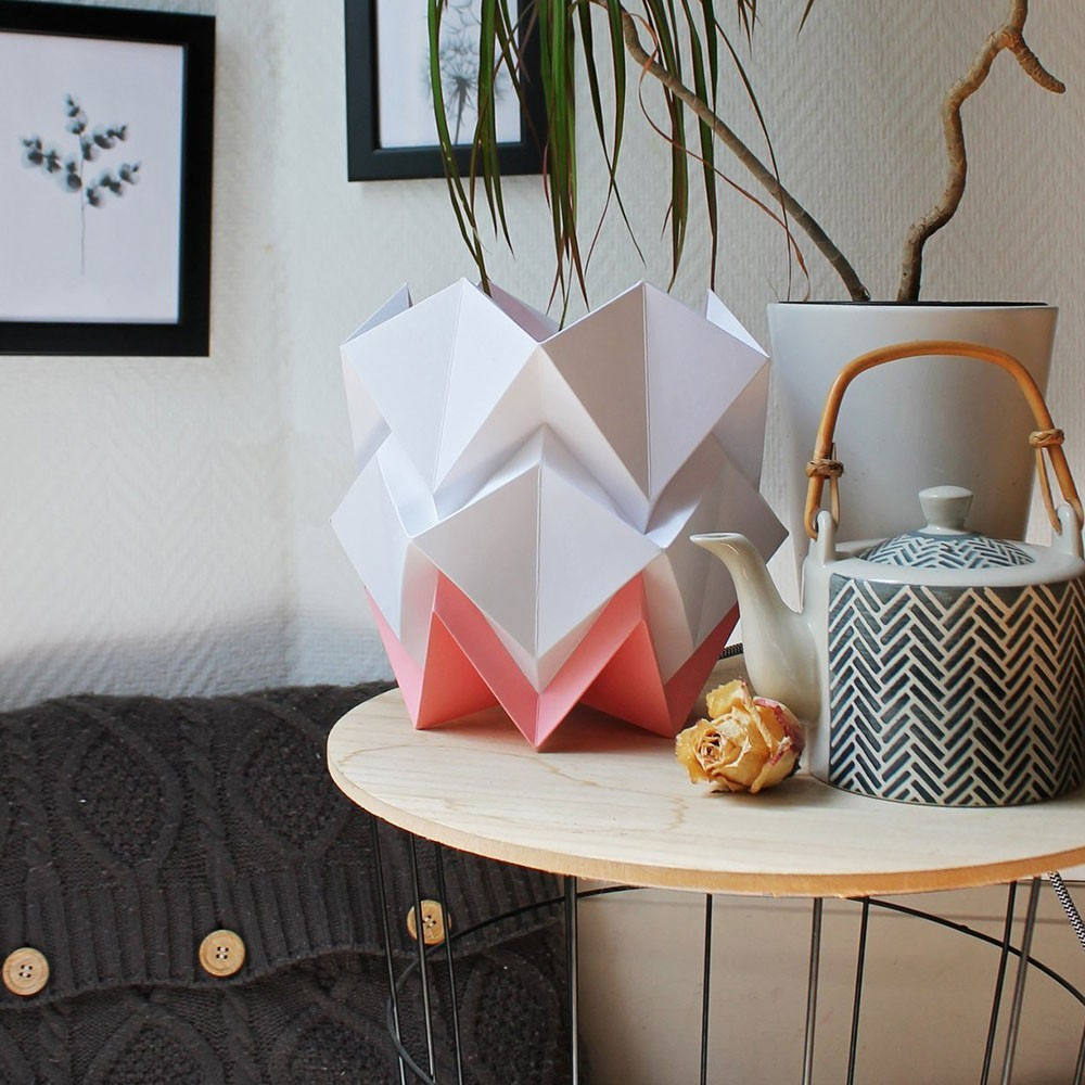 Hikari tafellamp wit & roze papier Tedzukuri Atelier