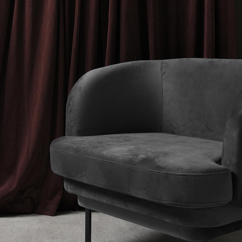 Cornice armchair black & night blue velvet ENOstudio