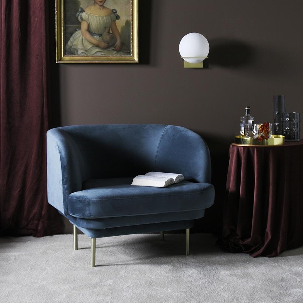 Kroonlijst fauteuil messing & blauwe stof ENOstudio
