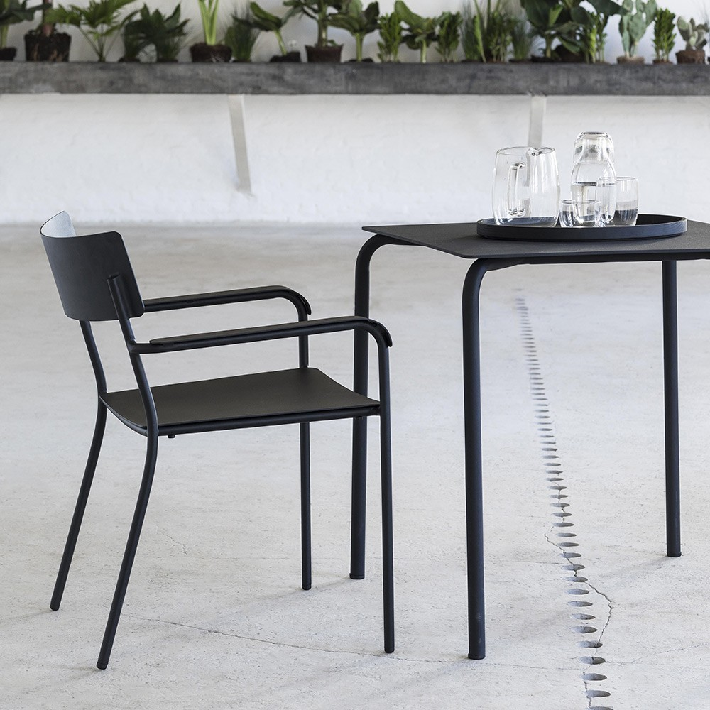 August table black Serax