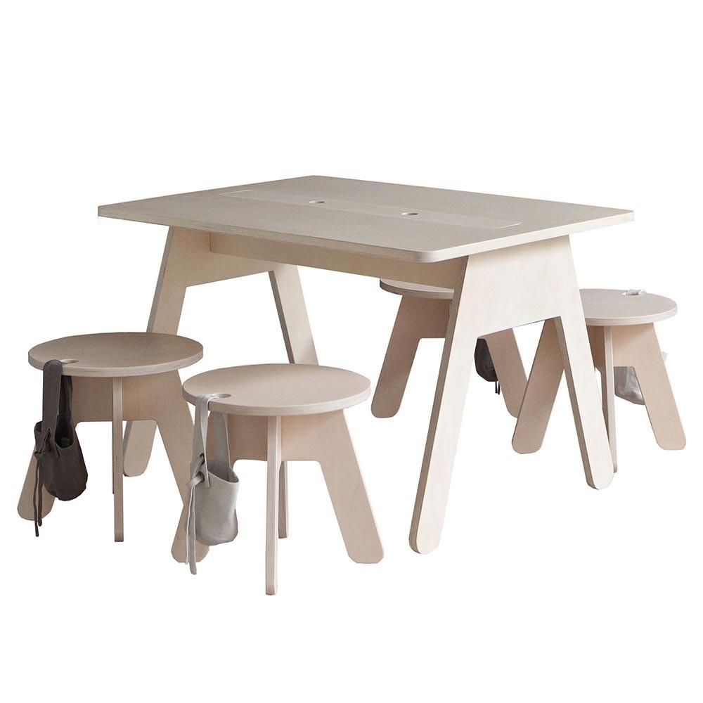 Peekaboo desk Kutikai