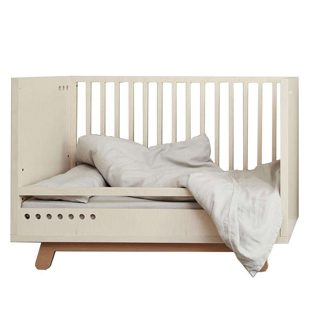 Peekaboo crib safety rail Kutikai