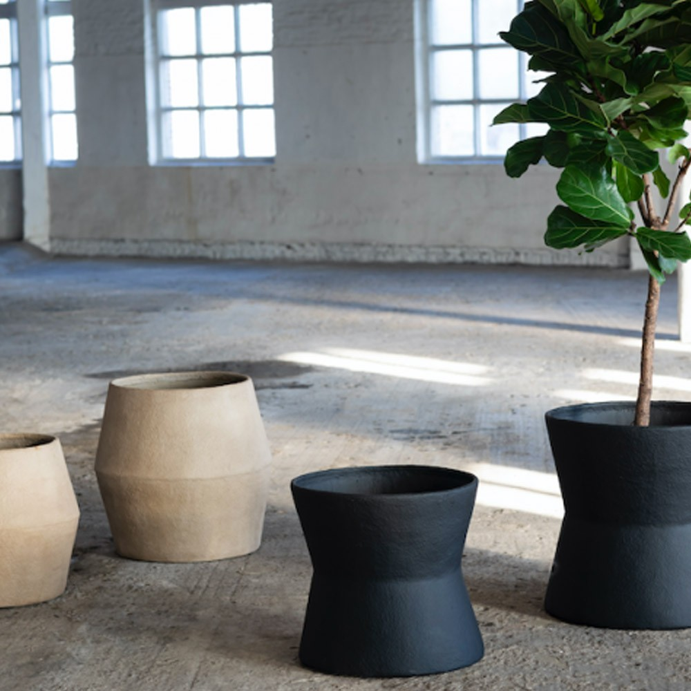 Planter Earth S Ø50 cm black Serax