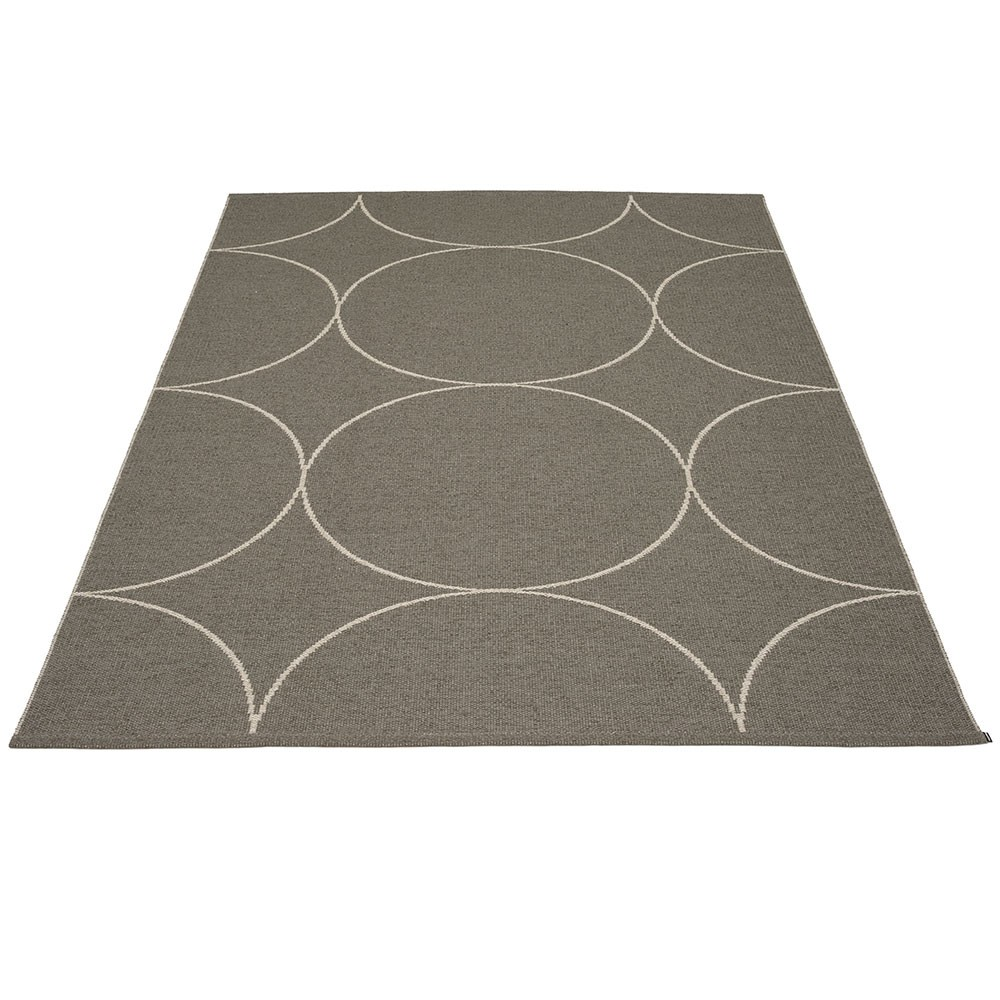 Boo rug charcoal Pappelina