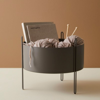 Pidestall flowerpot taupe M Woud Woud