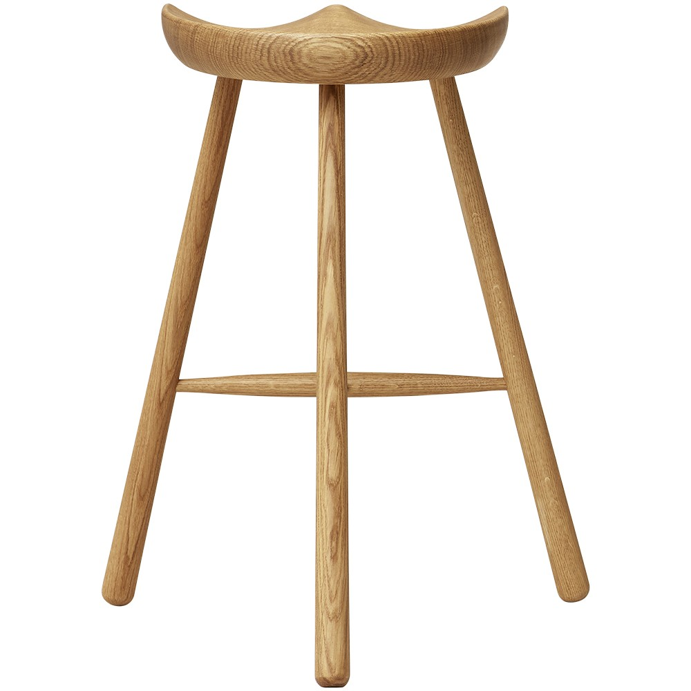 Shoemaker stool in oak n ° 68 Form & Refine