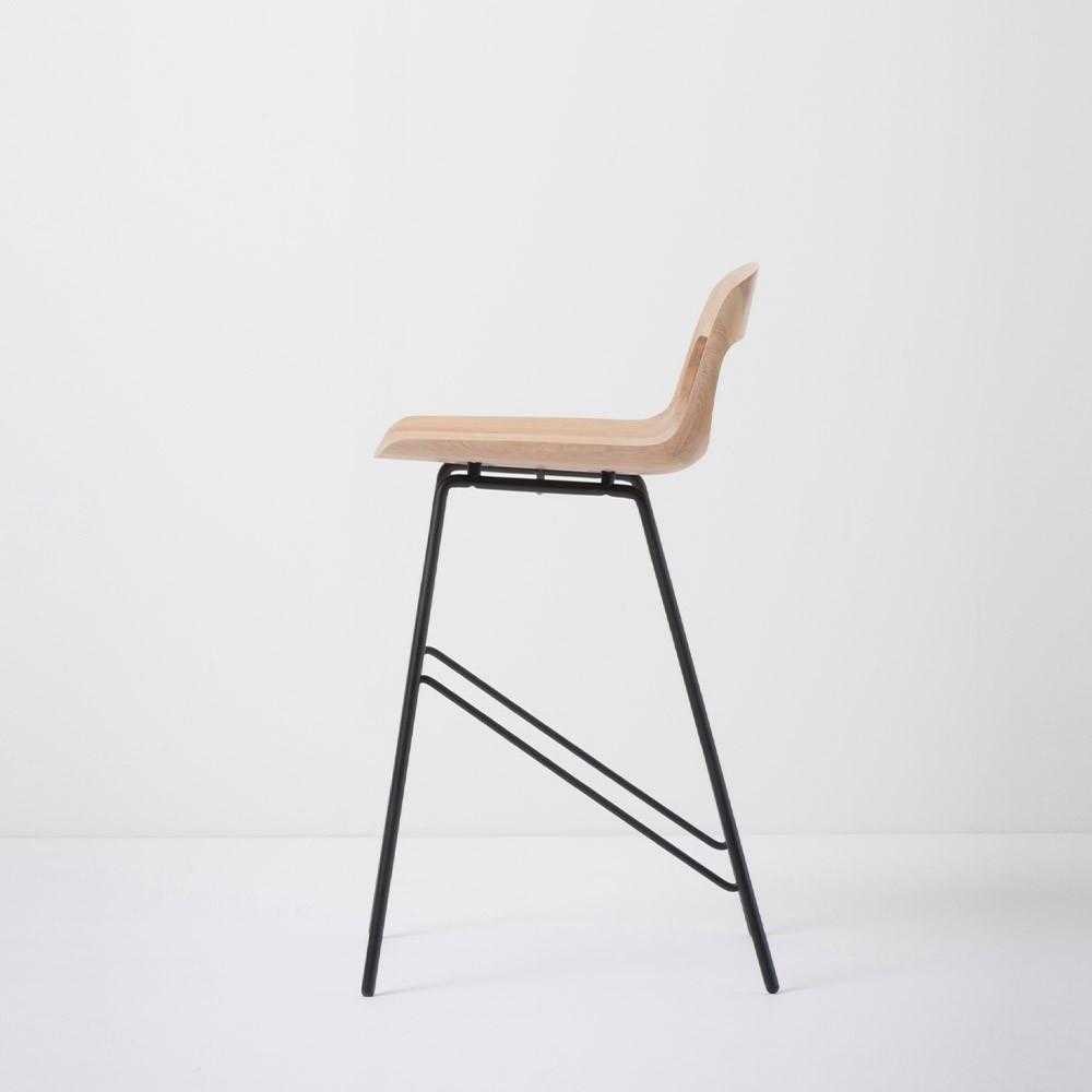 Low bar chair Leina oak & black Gazzda