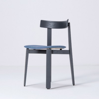 Nora chair black oak & blue fabric Gazzda