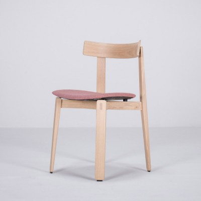 Nora chair oak & red fabric Gazzda