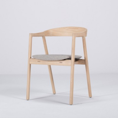 Muna chair oak & sand fabric Gazzda