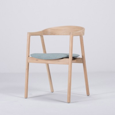 Muna chair oak & mint green fabric Gazzda