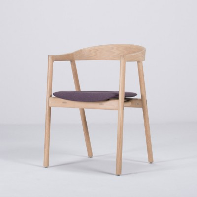 Muna chair oak & purple fabric Gazzda