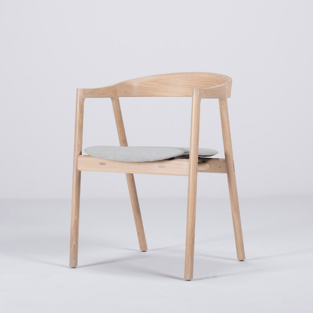 Muna chair oak & blue-gray fabric Gazzda