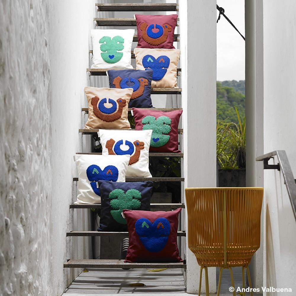 Nido cushion Pichu night blue ames