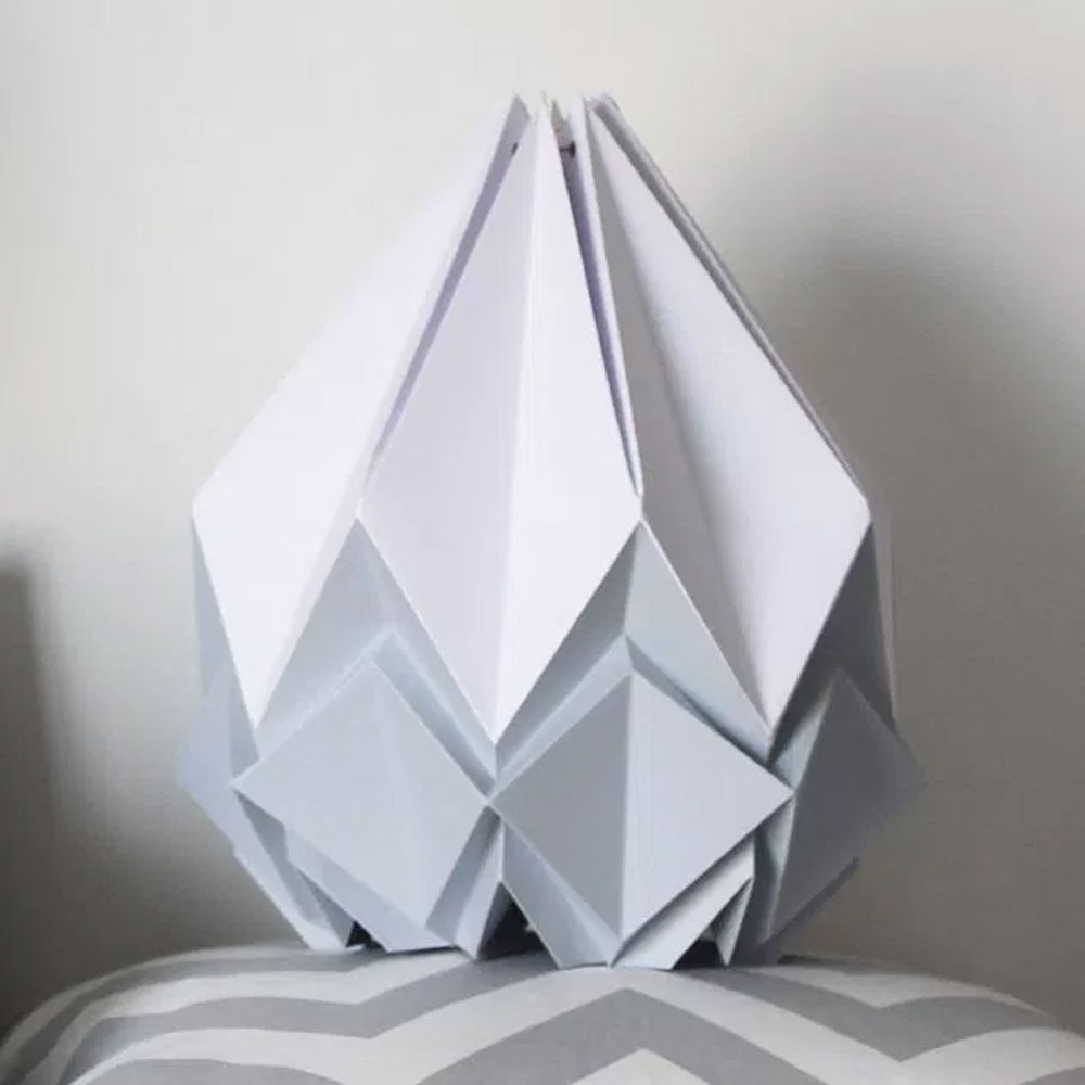 Colgante hanahi blanco con color Tedzukuri Atelier