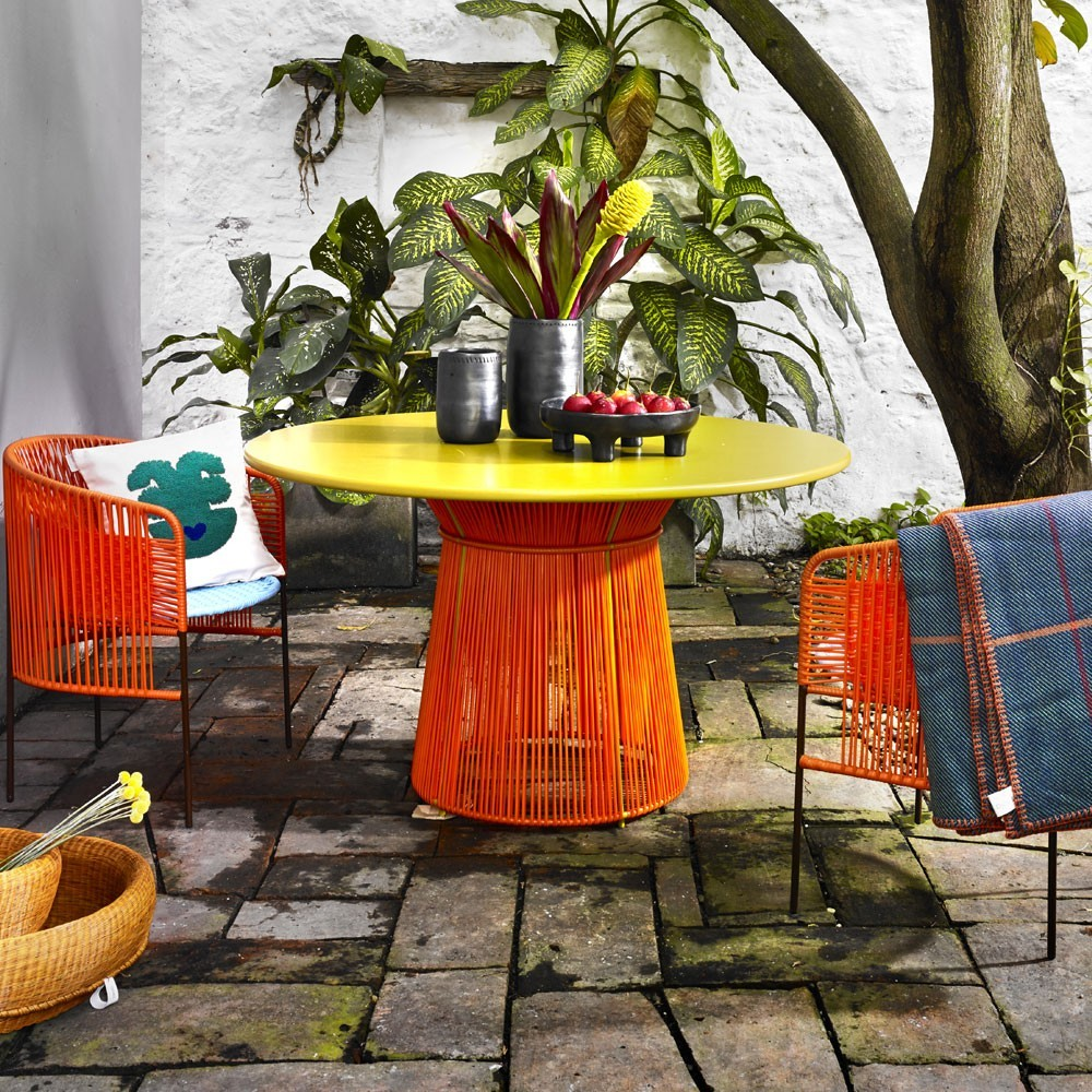 Caribe table orange/curry ames