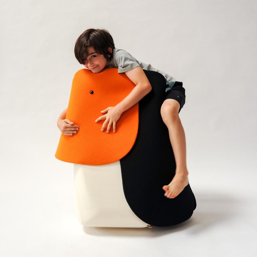 Cuscino e giocattolo Tucano EO