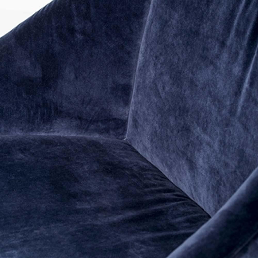 Elegante poltrona blu Bloomingville