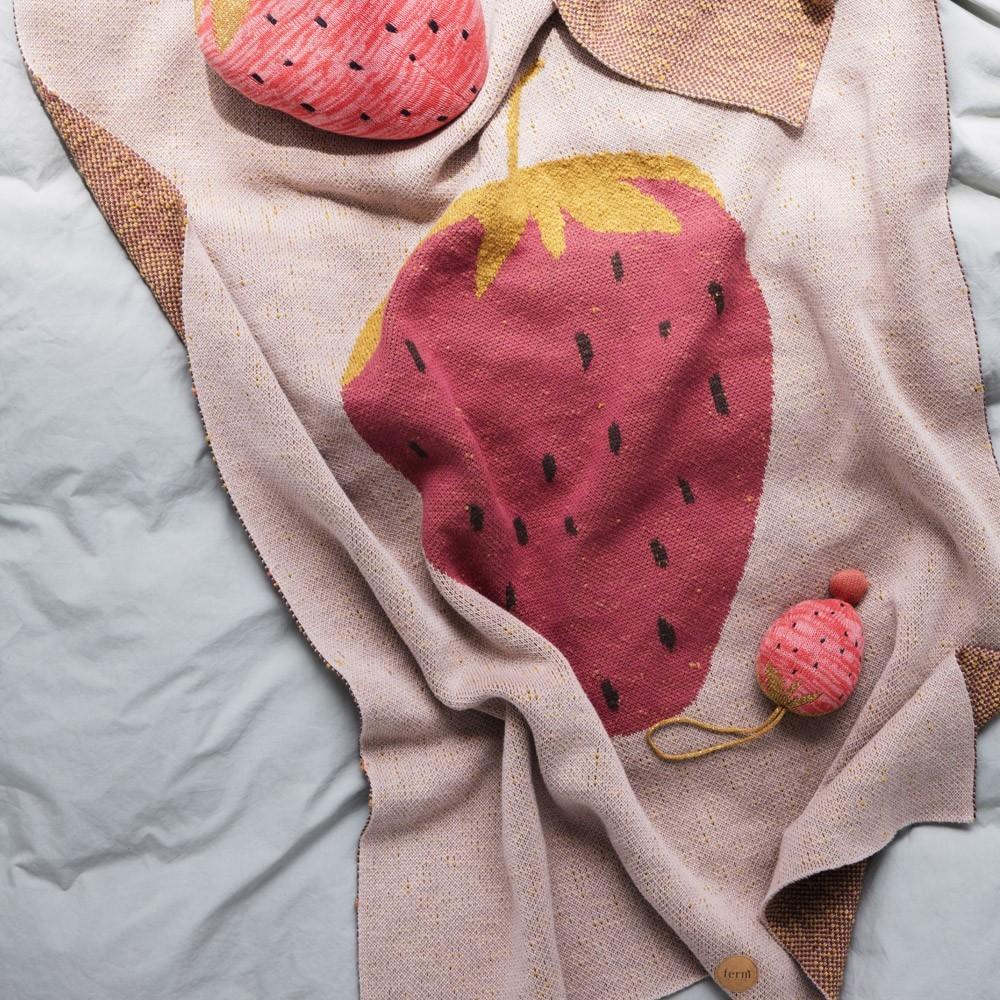 Strawberry blanket Ferm Living