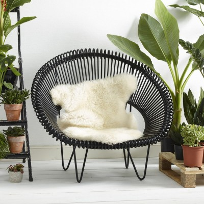 Cruz Cocoon black armchair