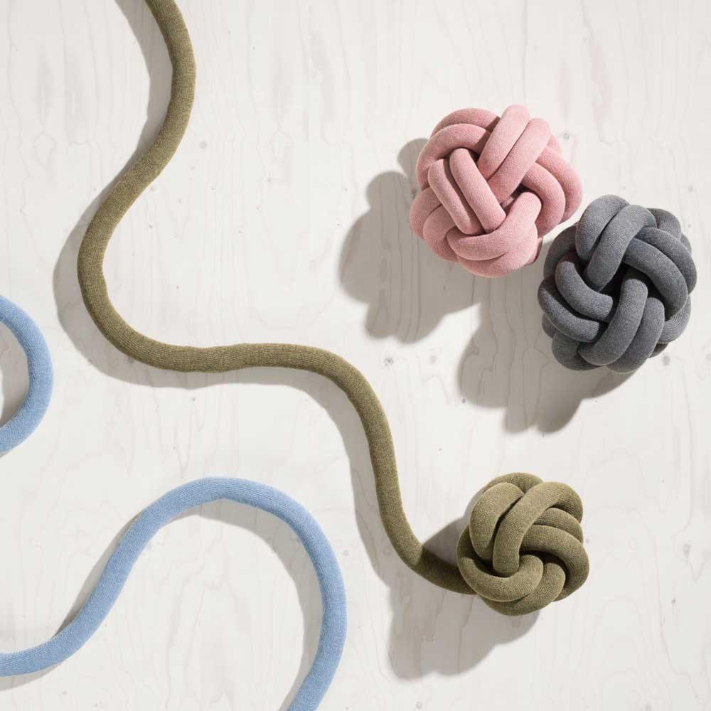 Coussin Knot rose Design House Stockholm