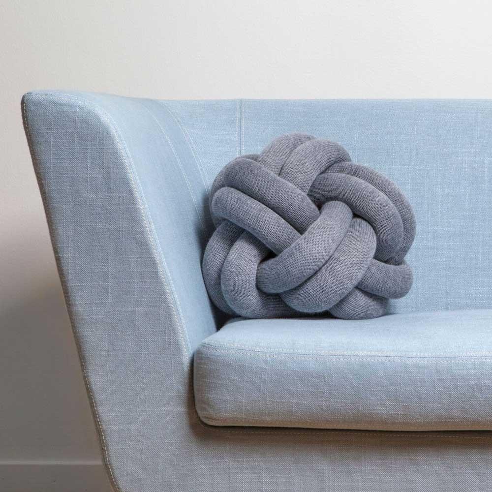 Coussin Knot jaune Design House Stockholm