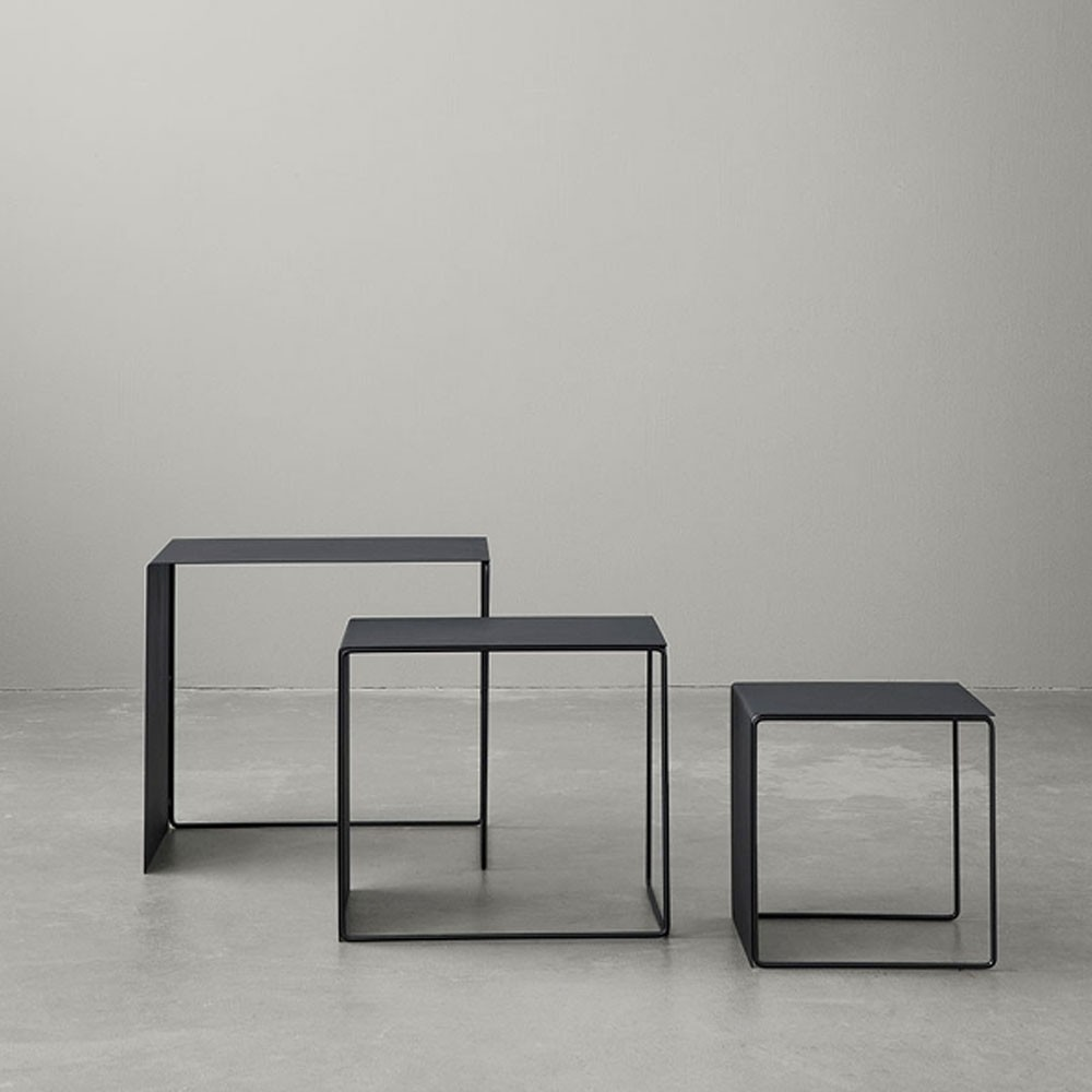Set van 3 zwarte Cluster salontafels Ferm Living