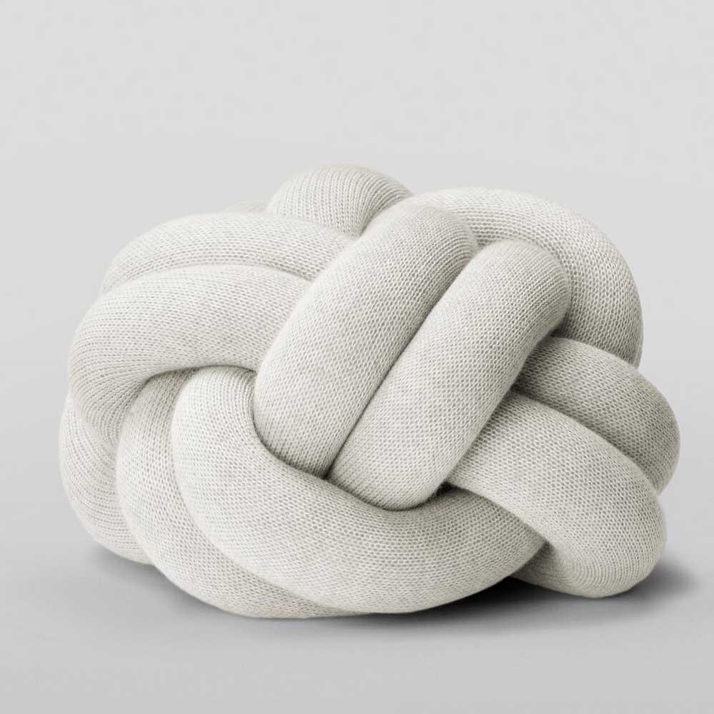 Cuscino nodo grigio chiaro Design House Stockholm